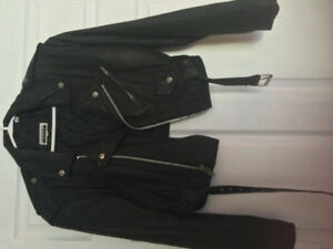 LADIES SHORT CROP LEATHER COAT