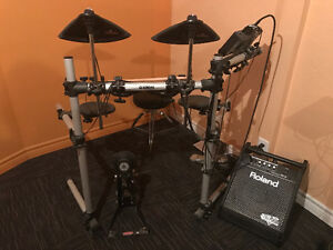 Yamaha  electric drums and amp only 500.00