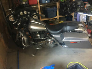 Harley Davidson Street glide to trade for 34-38 foot scarab