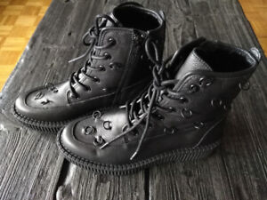 NEW Katy Perry The Patti Pierced Leather Combat Boots Sz6.5