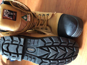Size 10 Construction boots CSA approved great condition