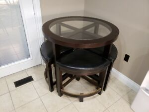 Dining Room table with 4 chairs from The Brick - Like New