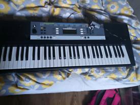 Keyboard yamaha ypt240