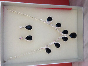 Beautiful black and diamond necklace and earring set!