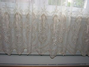 RIDEAUX - TRINGLES - TOILES .... CURTAINS - BLINDS - RODS