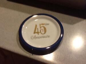 Assiette pour souligner un 45 ieme anniversaire de mariage