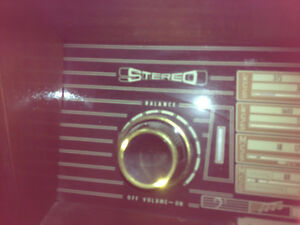 RARE!!!!!CANT BEAT THIS PRICE Wont find this antique stereo