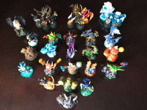 ABOUT 201 SKYLANDER FIGURES! 4 Wii GAMES, PORTALS, CARDS, STAND