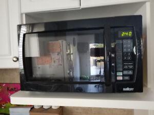 Dishwasher, Fridge, Stove, Microwave Range and Microwave
