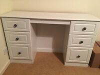Dressing table and 2x drawers