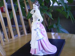 "Royal Doulton Figurine "" Dairy Maid "" HN4249 Kitchener / Waterloo Kitchener Area image 2"