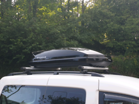 EXODUS ROOF BOX LARGE 470L VERY GOOD CONDITION BLACK GLOSSY