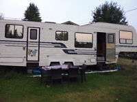 Open, roomy 5th wheel in great condition.
