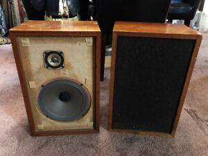 REALISTIC MC-1000 SPEAKERS