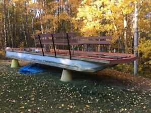 LOOKING FOR PONTOON BOAT ACCESSORIES & TRAILER