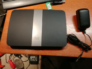 Linksys EA4500 Dual Band Wireless Router with Gigabit and USB