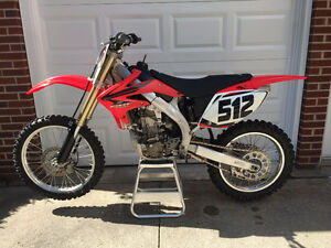 2006 Honda CRF450R. Excellent Condition.