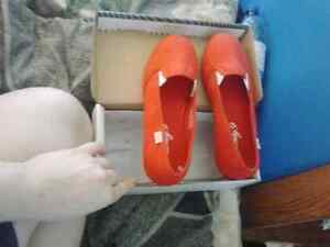 Shoes size 5 never got wear brand new to small