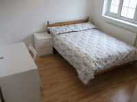 2x Fantastic Rooms Available Now In Limehouse - 5 Mins Walk To Limehouse Station - Amazing Location