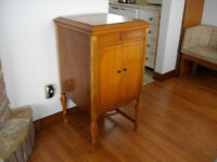 antique RCA Victrola phonograph