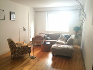 Room available for rent Downtown Montreal- Ideal for Students