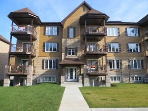 2 bedroom condo for rent in Vaudreuil