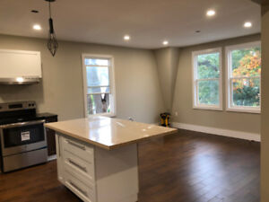 Downtown Dartmouth Upper Level Flat with Parking & AC