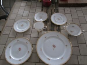 TUSCAN  FINE ENGLISH BONE CHINA 84 PIECE SET