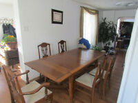 1930,s or 1940,s NATIONAL TABLE COMPANY LMITED TABLE AND CHAIRS