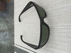 FOR SALE: RAY BAN RB4057 BLACK POLARIZED  SPORT WRAP SUNGLASSES