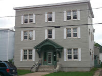 DOWNTOWN 1 BDRM $585 ALL INCLUSIVE