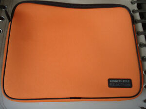 KENNETH COLE REACTION ORANGE ZIPPERED LAPTOP COVER
