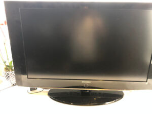 "TV SAMSUNG  40""  model : LN-T4042H   - Beautiful picture"