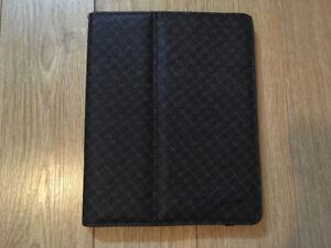 Étui iPad 2 de marque Simon Chang