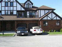 EXCLUSIVE OXFORD COURT EXECUTIVE TOWNHOUSE CONDO FOR SALE