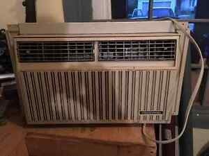 In Window Air Conditioner Cornwall Ontario image 1