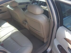 LINCOLN TOWN CAR CARTIER  *** LOADED *** SALE PRICED $3995 Peterborough Peterborough Area image 10