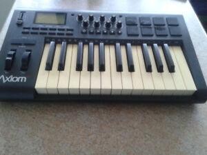 M-Audio Axiom 25 keyboard controller