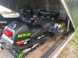 ZR600 and Sno Pro Claimshell Trailer