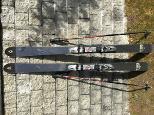 Womens ski set with skis, boots, poles and goggles