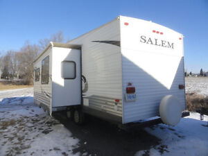 2011 5th wheel, Salem by Forest River