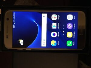 Samsung S7 in Box - Factory Unlocked Mint Condition