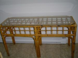 natural bamboo table