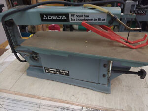 Delta 15 Scroll saw & 4'packs of blades just like new