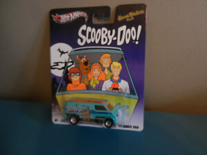 Hot Wheels Retro Entertainment Scooby-Doo Custom Dodge Van