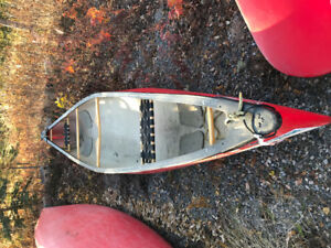 END OF SEASON CLEARANCE !  TWO USED CANOES ON SALE