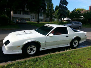 91 camaro 2900$ negotiable