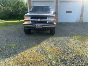 1999 Chevrolet Suburban lifted