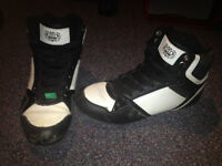 High tops shoes size 9 (female adult)