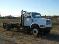 1999 International 4700 5th wheel truck